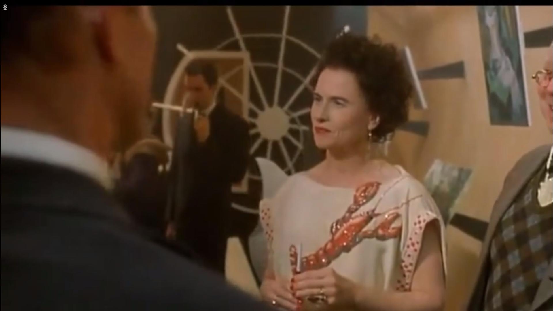 Image for Чей дизайн использован в фильме «Поллок» для платья Пегги Гугенхайм (Эми Мэдиган)?