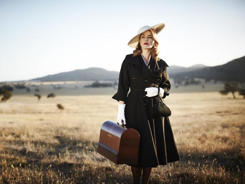 Image for Каким модным дизайнером вдохновлялась героиня «Месть от кутюр» при создании своего костюма?